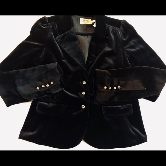Juicy Couture Jackets & Blazers - Juicy couture cropped velvet jacket